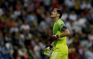 El debate del Bernabéu sobre Iker pasa de la crudeza al ridículo