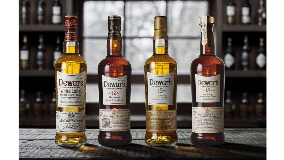 Foto: Los 'blended scotch' whiskies de la cuidada selección 'Fine Scotch'.