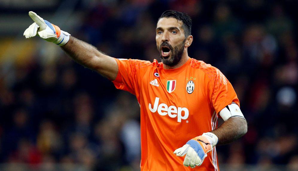 Foto: Gianluigi Buffon ha sido nominado al Balón de Oro con 38 años (Reuters)
