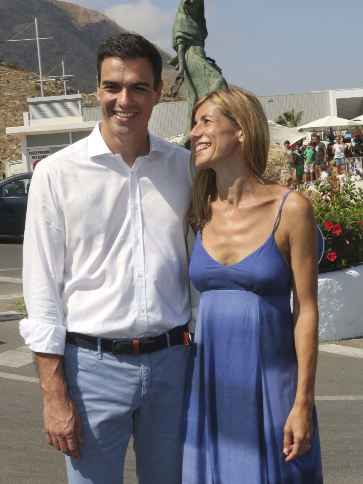 Pedro Sánchez y su esposa, Begoña Gómez, de vacaciones en Mojácar. (EFE)