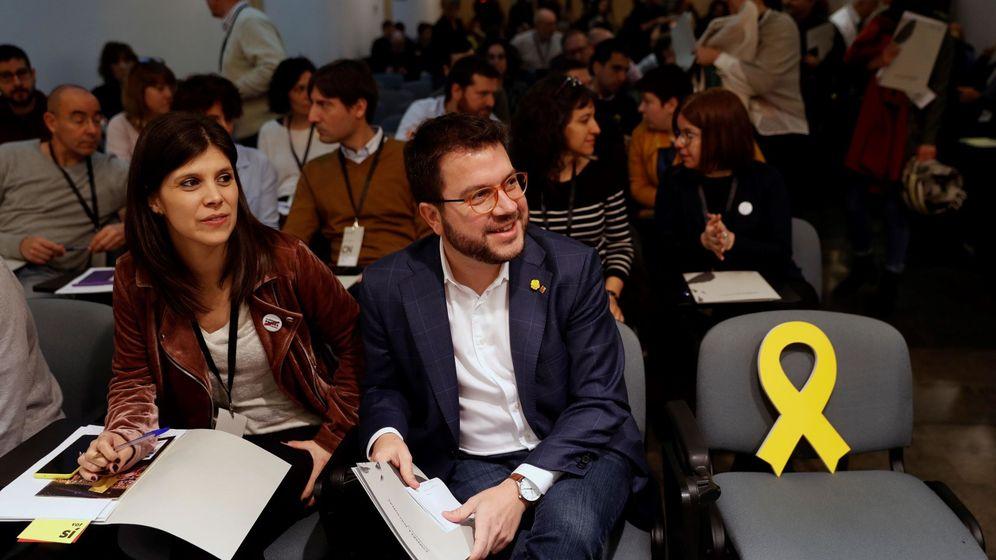 Foto: Pere Aragonès junto a Marta Vilalta. (EFE)