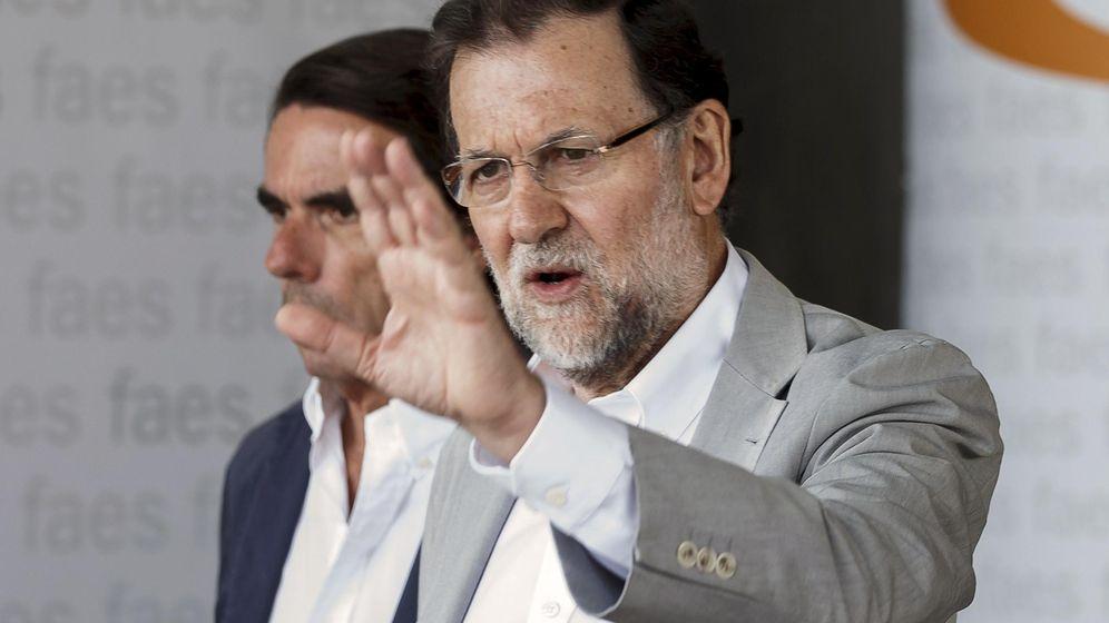 Foto: Mariano Rajoy y José María Aznar, en julio de 2015. (Reuters)