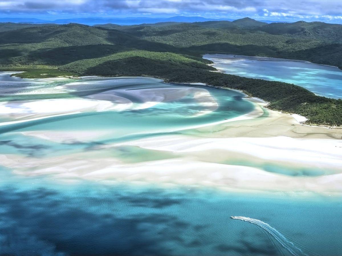 Foto: Whitehaven Beach, la mejor playa del mundo para los usuarios de Tripadvisor. (iStock)