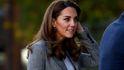 Kate Middleton brilla también sin Meghan: look clásico y relajado en su último acto