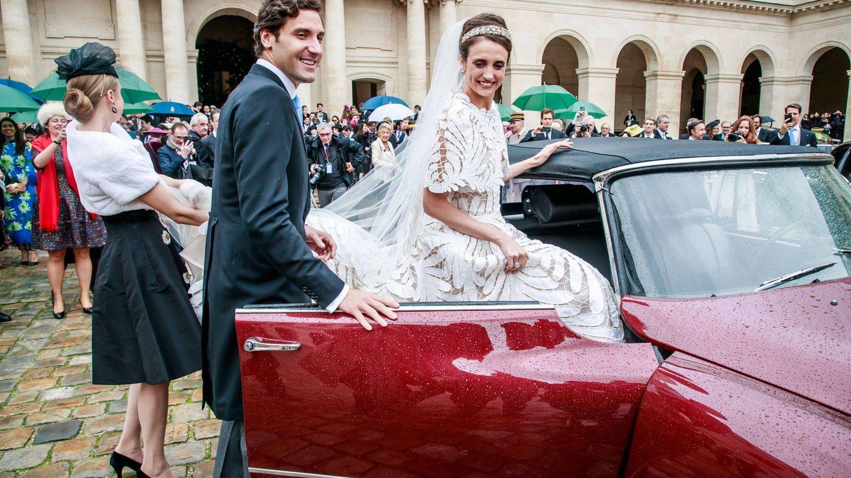 Los recién casados a la salida de la ceremonia. (EFE)