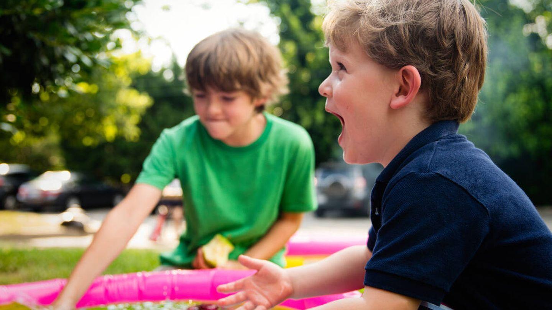 Divertirse con los niños es uno de los placeres del verano (Ashton Bingham para Unsplash)