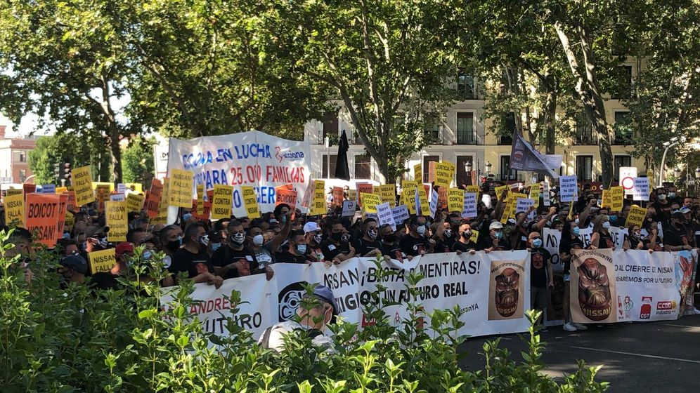 Foto: Manifestación de trabajadores de Nissan en Madrid, esta mañana. (UGT)