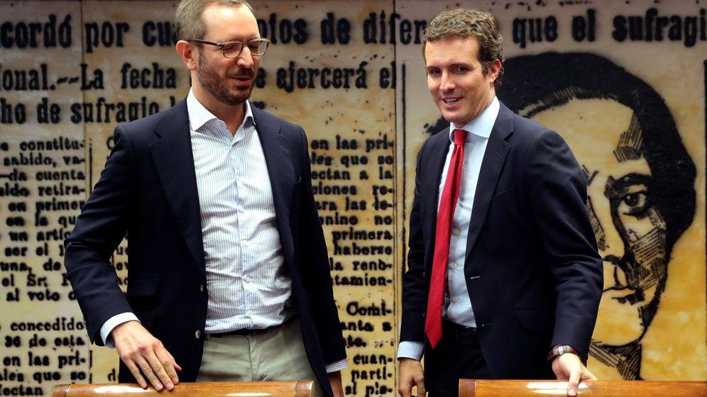 Foto: Javier Maroto y Pablo Casado. (EFE)