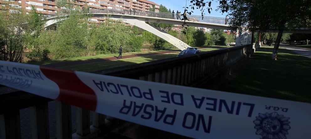 Foto: Pasarela donde la presidenta de la Diputación de León y del PP provincial, Isabel Carrasco, fue abatida a tiros. (EFE)