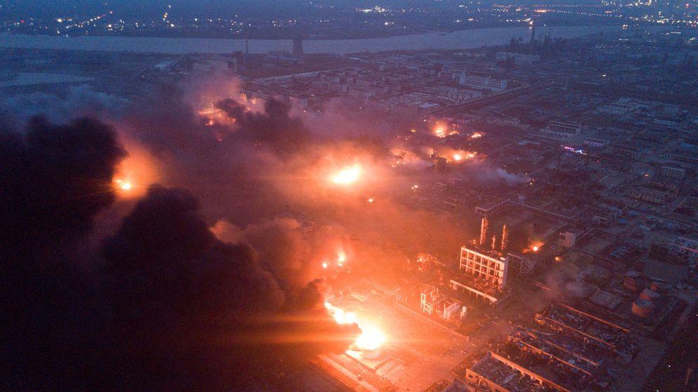 Al menos 44 muertos y 90 heridos por la explosión en planta química en China
