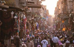 Ni turistas ni bullicio: los mercados egipcios agonizan