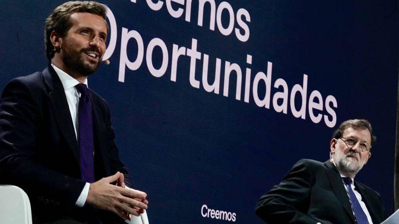 Pablo Casado y Mariano Rajoy, en la inauguración de la convención. (David Mudarra)