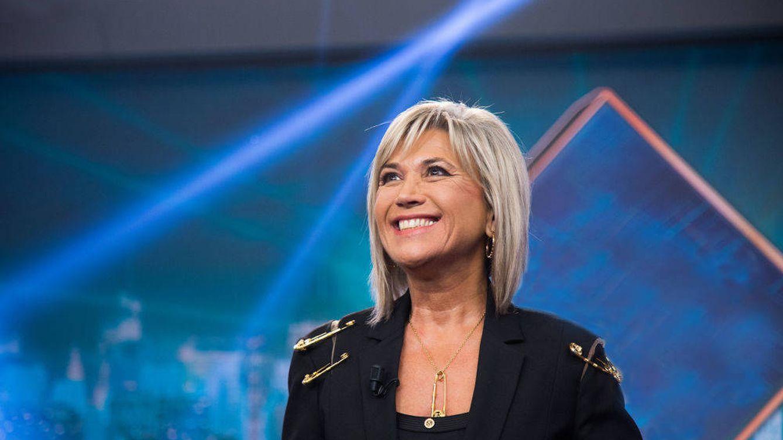 Julia Otero se apoya en su hija al iniciar el tratamiento y Marta Sánchez posa con Paula