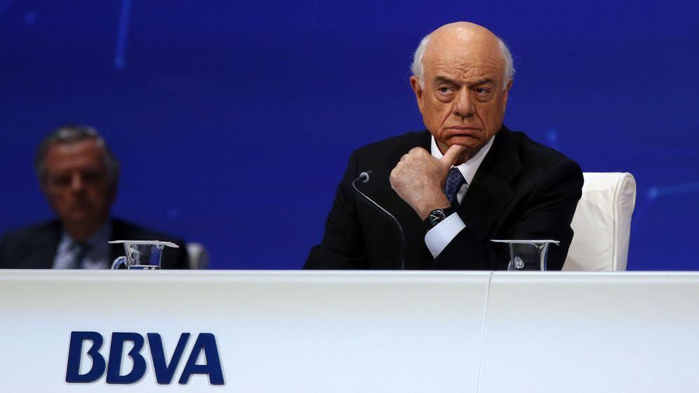 Foto: Francisco González, presidente de BBVA, en una junta de accionistas. (EFE)