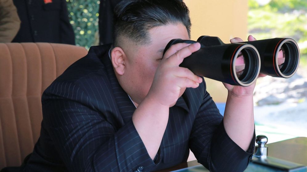 Foto: El líder norcoreano, Kim Jong-un, en una prueba de defensa. (EFE)