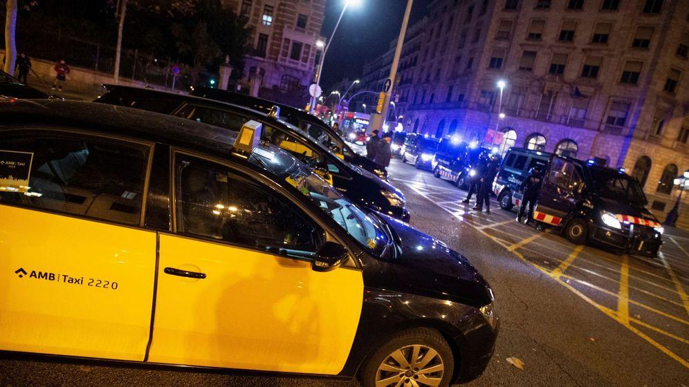 Foto: Los taxistas de Barcelona han convocado una huelga indefinida. (EFE)