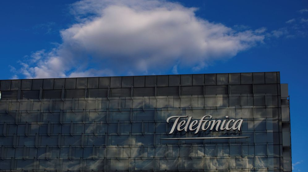 Foto: File photo: a general view shows the telefonica headquarters in madrid