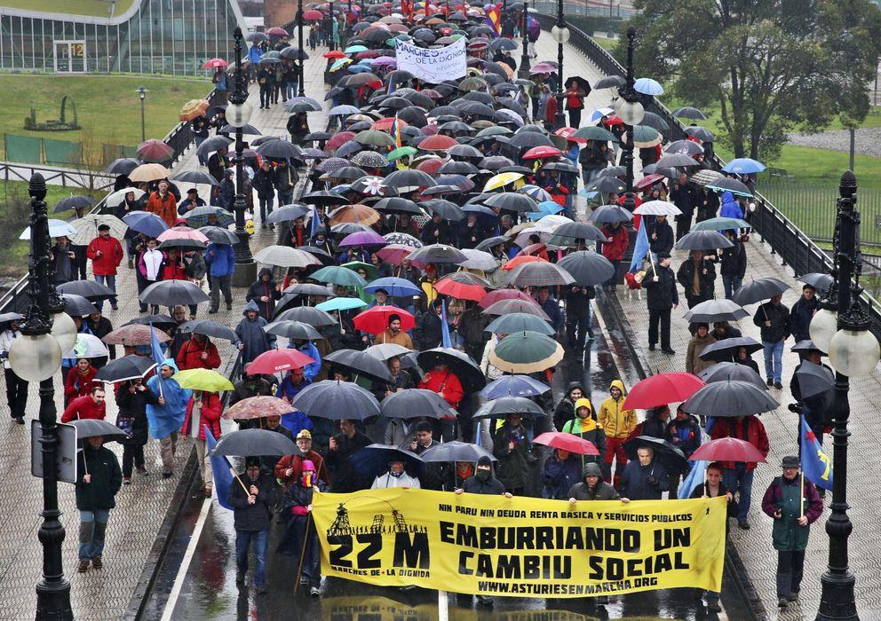 Foto: Imagen de la columna asturiana del 22-M. (EFE)