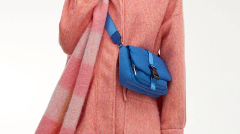 Acolchado, en tres colores y low cost, así es el bolso de Parfois que te salva el otoño
