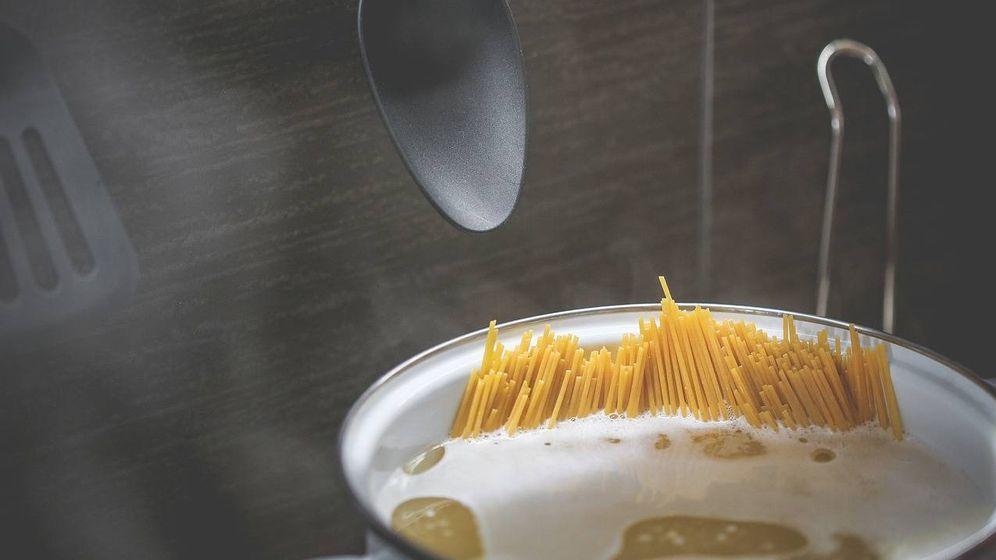 Foto: Cociendo una ración de espaguetis.