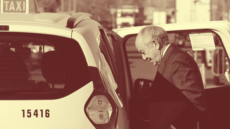 Foto: El exgobernador del Banco de España Miguel Ángel Fernández Ordóñez, tras su declaración en el juicio de Bankia. (EFE)