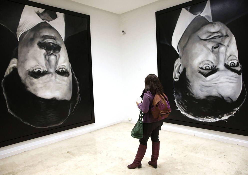 Foto: 'Los encargados', exposición de Jorge Galindo y Santiago Sierra. (Efe)
