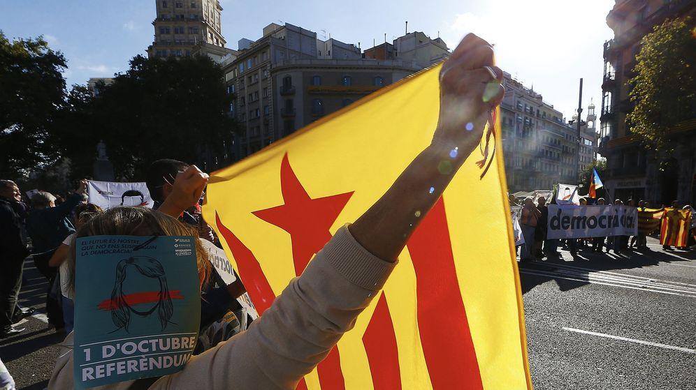 Foto: La prensa internacional se hace eco de los registros de la Guardia Civil en Cataluña. (Reuters)