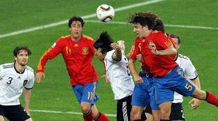 Carles Puyol, el ángel de la guarda de muchos, se va perdonando un río de dinero