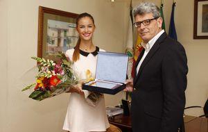 Desirée Cordero es homenajeada en su pueblo, Mairena del Aljarafe