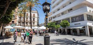 Post de El primer reloj farola que se instaló en España en 1853 vuelve a dar la hora