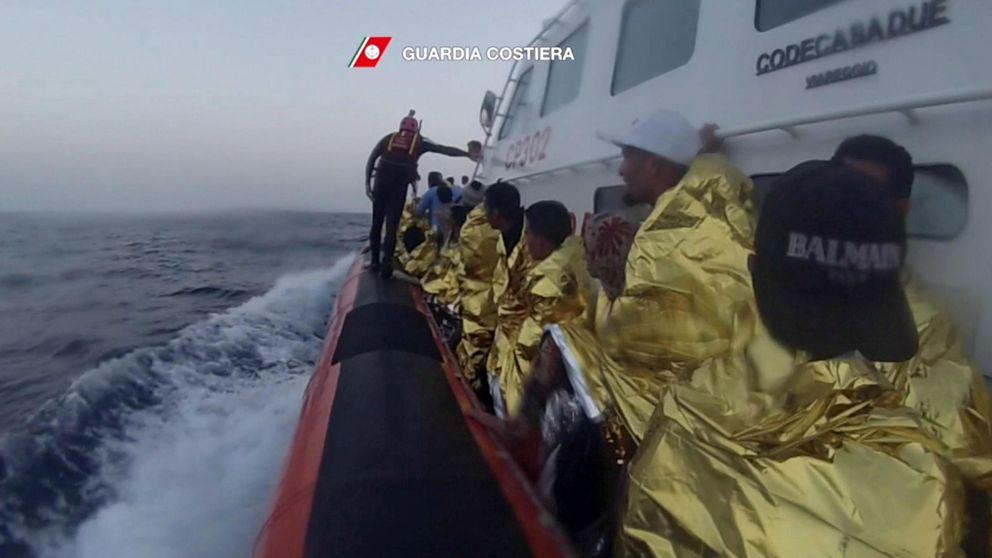 La tragedia se agrava: 50 inmigrantes muertos y 10.000 rescatados en 48 h en el Mediterráneo