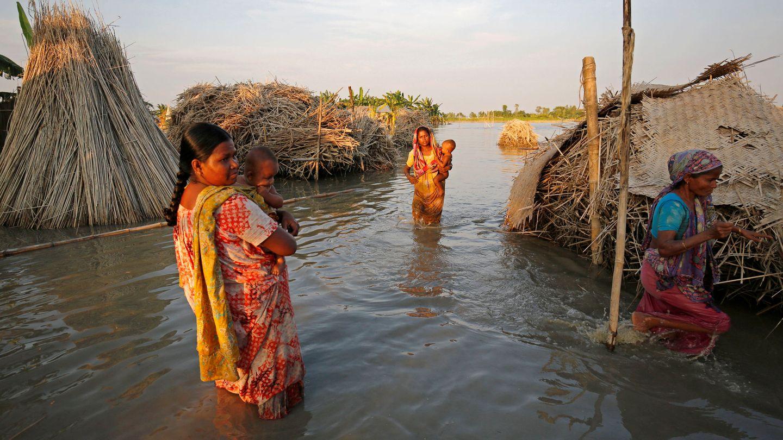 Una de las aldeas en Bogra anegadas tras las fuertes lluvias. (Reuters)