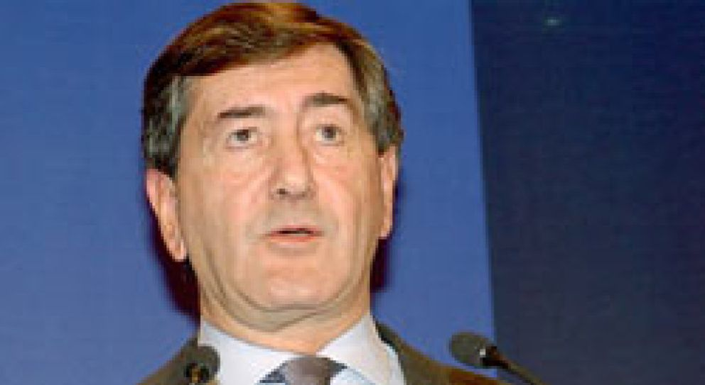 Foto: Castellanos ficha a Alfonso Cortina, ex presidente de Repsol, para el consejo del grupo Recoletos