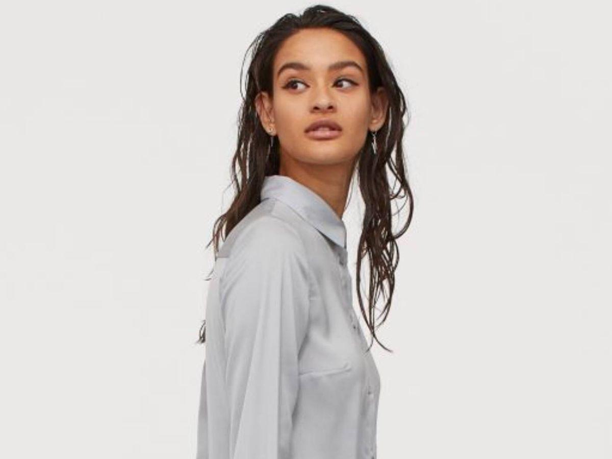 Foto: Vestido gris de HyM. (Cortesía)