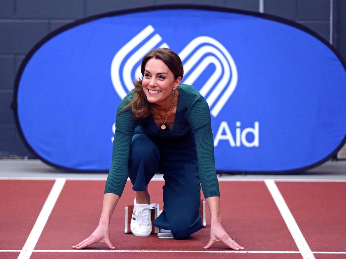 Foto: La duquesa de Cambridge visita el estadio de Londres. (Getty)