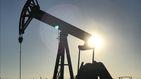 Otro peligro para la economía española: el petróleo se dispara un 43% desde junio