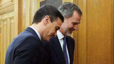 Sánchez acepta el encargo del Rey para intentar una investidura sin apoyos atados