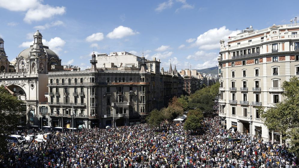 Foto: Rambla de Cataluña confluencia con la Gran Vía de Barcelona. (EFE)
