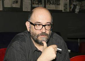 Marcos Ordóñez recrea 40 años de historia a través de las tertulias del Café Gijón