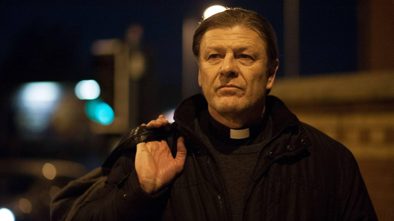 El padre Michael, dispuesto a afrontar sus propios problemas. (Movistar)