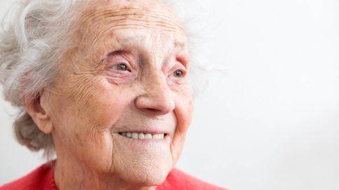 Por qué las mujeres viven más tiempo y con mejor salud que los hombres