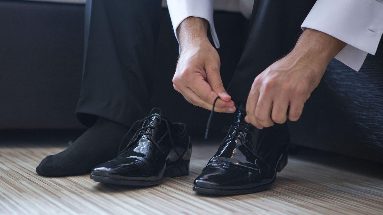 c6be83d9 El error que cometen todos los hombres cuando se compran unos zapatos nuevos