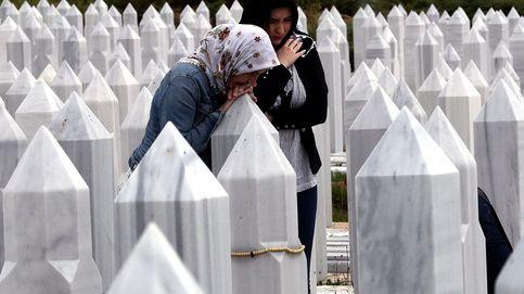 Oraciones en el cementerio de Sarajevo
