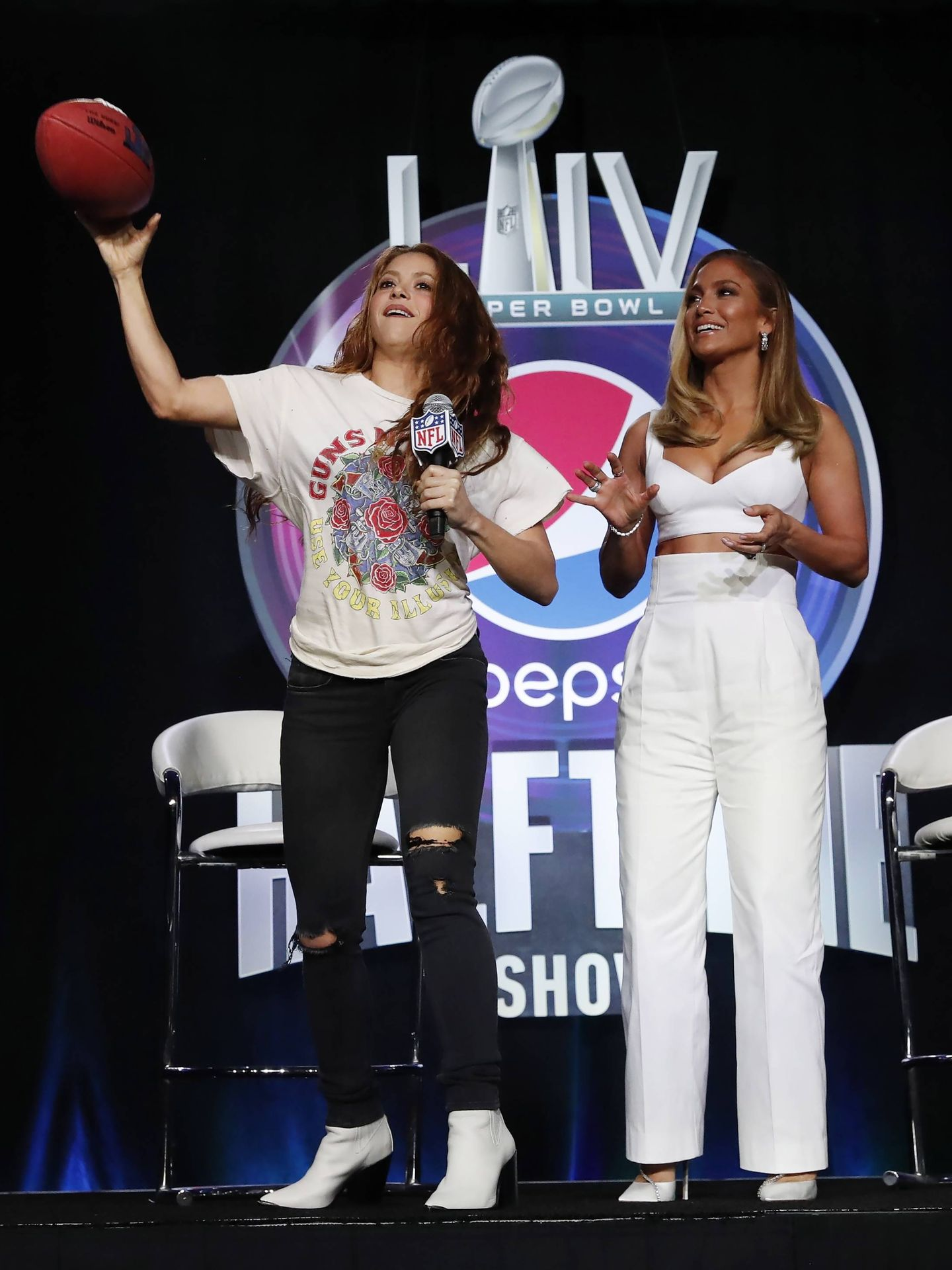 Shakira y Jennifer Lopez, en Miami. (EFE)
