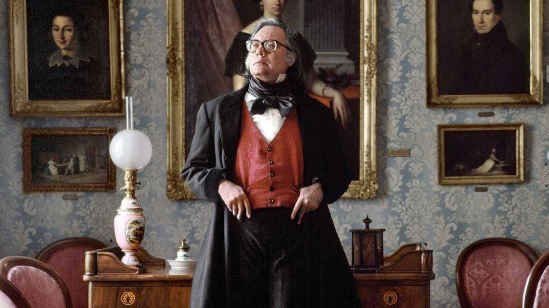 Francisco Umbral en 'Anatomía de un dandi', de Alberto Ortega y Charlie Arnaiz. (Malvalanda)