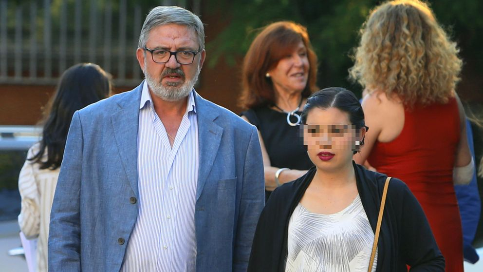 Revenga, de fiesta con Amaia Salamanca y Carmen Martínez Bordiú