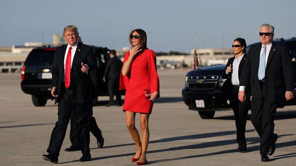 Foto: Melania Trump junto al presidente en su primera aparición tras la toma de posesión (Reuters)