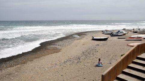 Encuentran el cadáver de una mujer en la orilla de la playa en Vera (Almería)