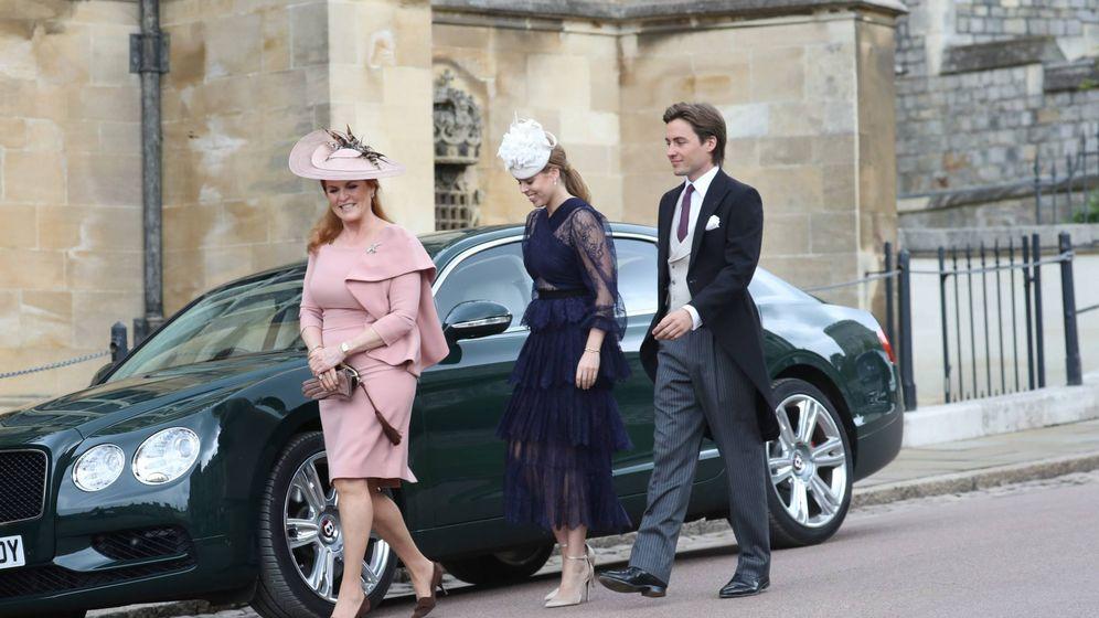 Foto: Beatriz de York y Edo Mapelli en la boda de Lady Gabriella Windsor. (Cordon Press)