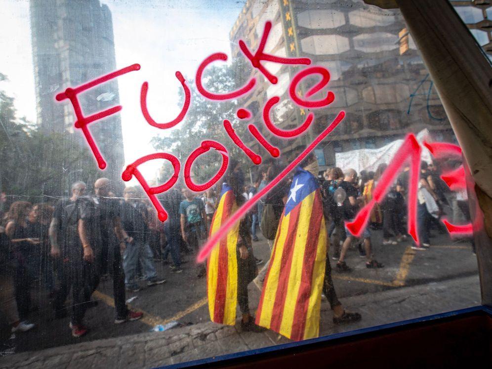 Foto: Imagen de una pintada en Barcelona (EFE/Enric Fontcuberta)
